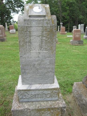 Bertha Weinhold gravestone Concordia Frohna MO