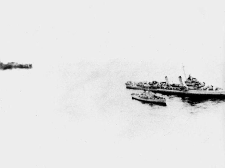 USS_Turner_(DD-648)_off_Sandy_Hook_in_January_1944