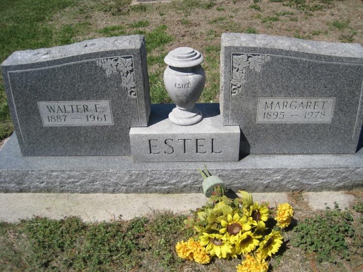 Walter and Margaret Estel gravestone Christ Jacob IL