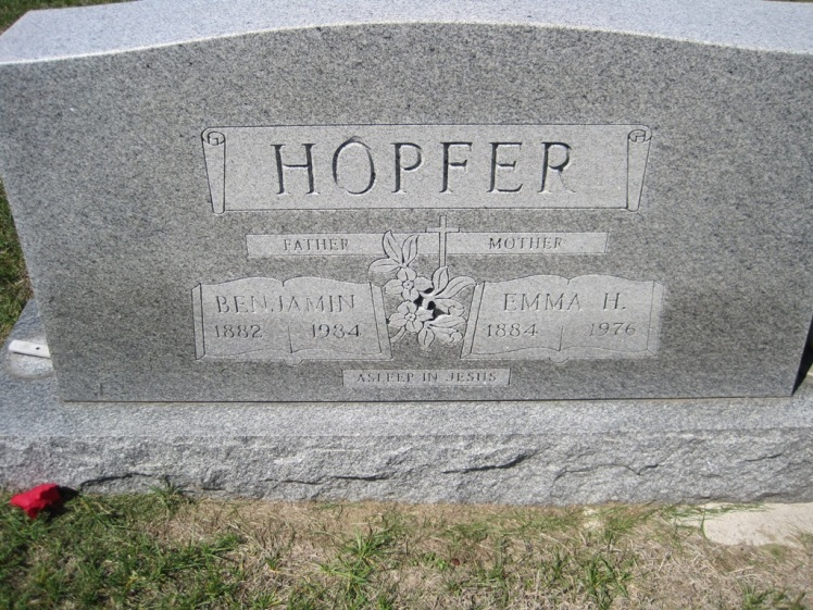 Benjamin and Emma Hopfer gravestone Christ Jacob IL