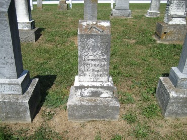 Nora Hellwege gravestone Trinity Altenburg MO