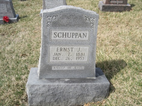 Ernst Schuppan gravestone Immanuel New Wells MO